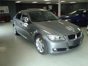 2011 BMW 3 Series 328i. 6 Speed. Leather. Sunroof.