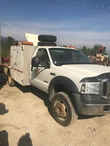 2007 ford 550 4 wheel drive service truck
