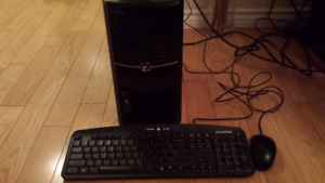 eMachines AMD X2 250 3.0GHZ 8GB RAM 640GB HD NVIDIA GTX250