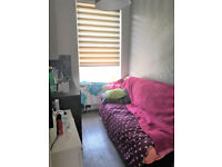 A newly refurbished self-contained small studio flat conveniently located for High Street