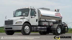 2007 FREIGHTLINER M2 106 - 2000 GALLONS