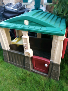 Little tikes cottage toy play house great condition