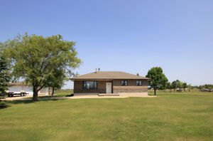 28113 Park Road, RM of Springfield - Listed by Connie Levesque
