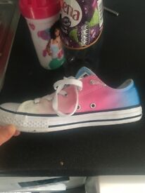 Like new tie dye converse