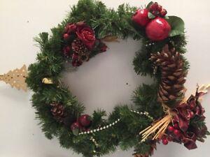 Belle couronne de Noel (15$)