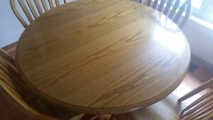 oak pedestal table and 4 windsor back chairs