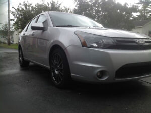 2010 Ford Focus SES LIMITED LEATHER SR ONLY $3900