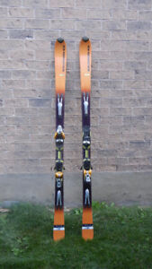 Salomon Pilot Skis