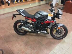2013 Triumph Street Triple R - LIKE NEW-LOW KM-PRICED RIGHT
