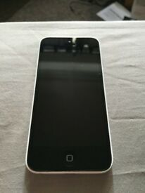 Unlocked White apple iPhone 5c 16GB with charger and earphones