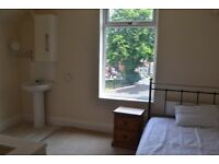 3x Double Rooms in house share £350 BILLS INC