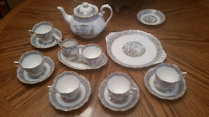 "Royal Albert Fine Bone China ""Silver Birch"" Pattern Tea Set"