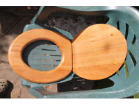 Oak toilet seat in very good condition