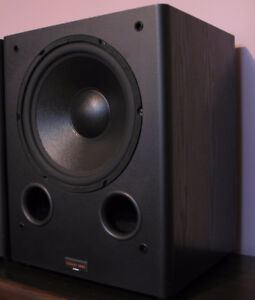 NEVER USED - 300W HOME THEATRE POWERED SUBWOOFER (12 IN. WOOFER)
