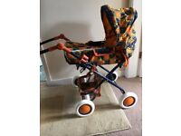 High Quality Collapsible Toy Pram in Pristine Condition, clean and airy, carry cot + matching bag