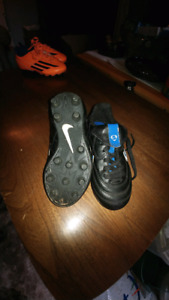Nike youth size 10 cleats