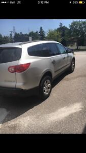 Chevrolet Traverse 2010 4x4 7 pass good condition dvd
