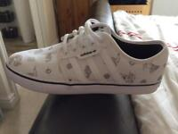 Adidas Seeley Mens Trainers Size 9.