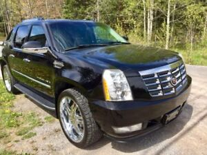 2007 Cadillac Escalade EXT Pickup Truck - Only 115000 KMS