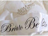 Hen/bachelorette party crown/tiara, sash & veil bundle - 'bride to be' like new!