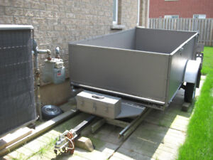 UTILITY BOX TRAILER WITH TAILGATE
