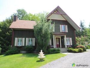 459 000$ - Maison 2 étages à vendre à Bromont