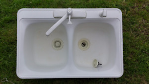 Double Basin Kitchen Sink and Taps