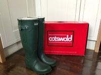 KIDS COTSWOLD WINDSOR ADJUSTABLE WELLIES GREEN - RRP: £64.99 - BOXED/LIKE NEW