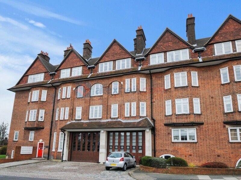 2 bedroom flat in Eaglesfield Road, Woolwich SE18