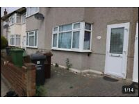 TIDY AND CLEAN 3 BEDROOM FAMILY HOME AVAILABLE TO RENT IN RM10..ONLY £1450 **PART DSS ACCEPTED**
