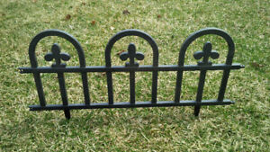 Black Plastic Garden Boarder Fence approx 1 foot high & 2 feet