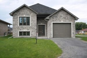 HOUSE FOR SALE IN LONG SAULT