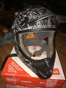 Raider Dirtbike ATV Helmet Barely Used
