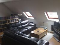 Well presented two bedroom unfurnished flat, located only a few minutes walk to West Wickham Station