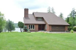 336 Guillemette Rd - New Listing!!