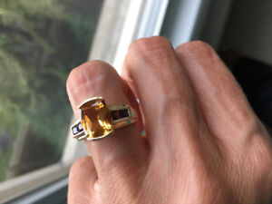 10 K gold topaz and garnet ring