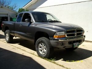 2004 Dodge Dakota SL Pickup Truck 3.7 V.6