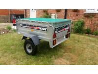 Erde 122 trailer with cargo net cover