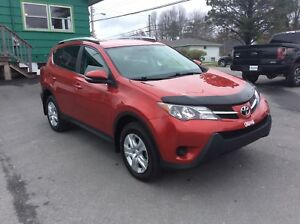 2014 Toyota RAV4 LE AWD - FRESH TRADE WITH ALL THE BELLS AND WHI