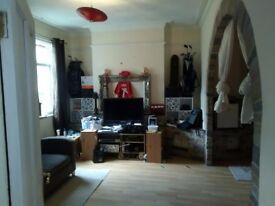 Bedroom/living room to rent