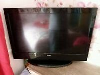 """32""""HITACHI LCD TV BUILTIN FREEVIEW HDMI PORTS WITH REMOTE GREAT CANDITION CAN DELIVER"""