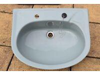 Stelrad Doulton semi-recessed basin