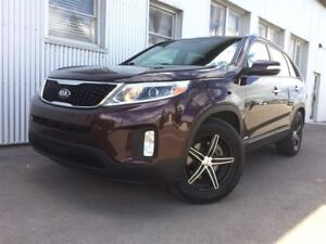 2015 Kia Sorento LX,   AWD, HEATED SEATS, BLUETOOTH.