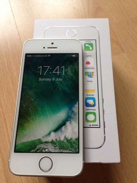 Apple iPhone 5s Silver Immaculatein AberdeenGumtree - Apple iPhone 5s Silver, 16Gb vodaphone PAYG network, free to unlock. Boxed with Charger & USB cable for connection to PC etc. Immaculate condition Beautiful iPhone in silver, Fast processor, runs same software as 6, great iphone must be seen. iCloud...