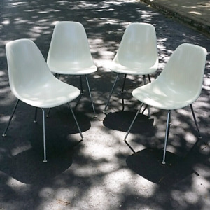 4 vintage Eames chairs