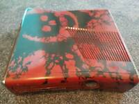 XBOX 360 GEARS OF WAR And XBOX 360 Elite 120g