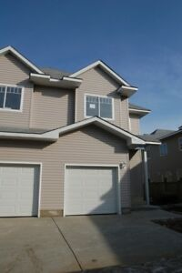 3 bdrm Townhouse with Garage in Beaumont