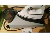 For sale is a Bosch Sensixx Advanced B35L steam iron.