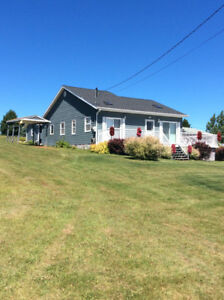 Wonderful Waterview 3-bedroom Summer Cottage- New London