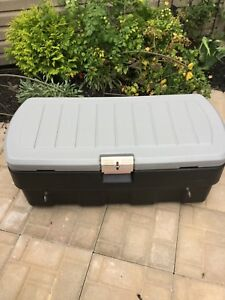 Rubbermaid bac pour Pick Up